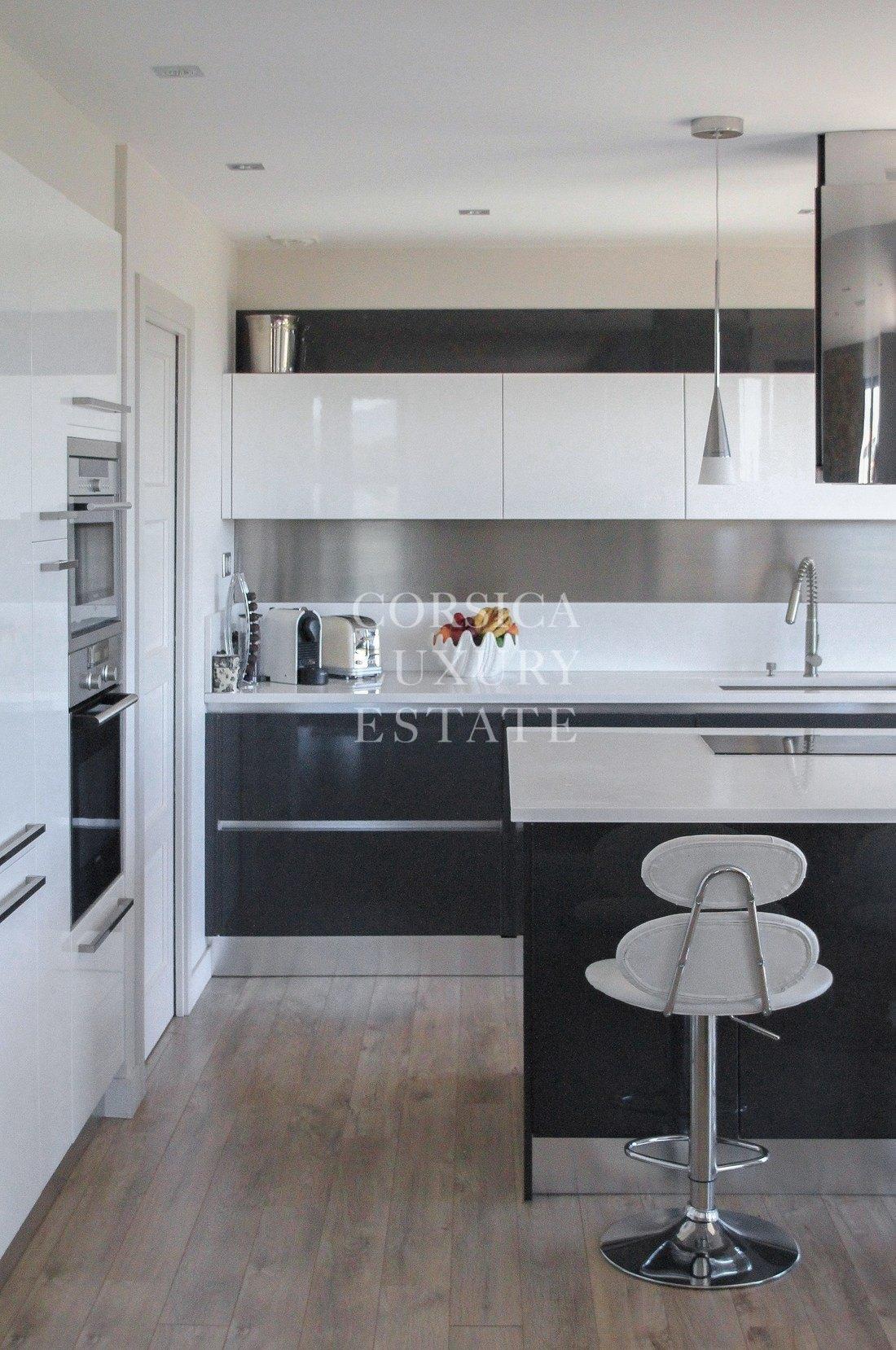 a vendre porticcio bel appartement t4 neuf vue mer. Black Bedroom Furniture Sets. Home Design Ideas