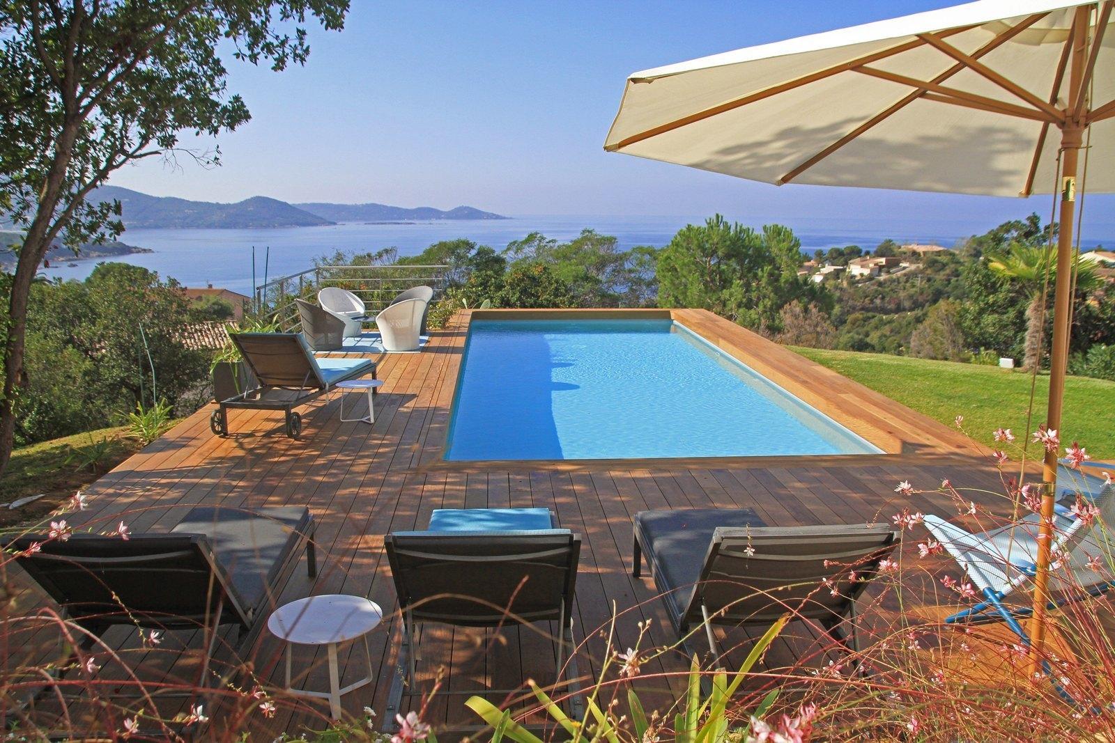 Pietrosella proche de la plage du ruppione villa louer for Autour de la piscine