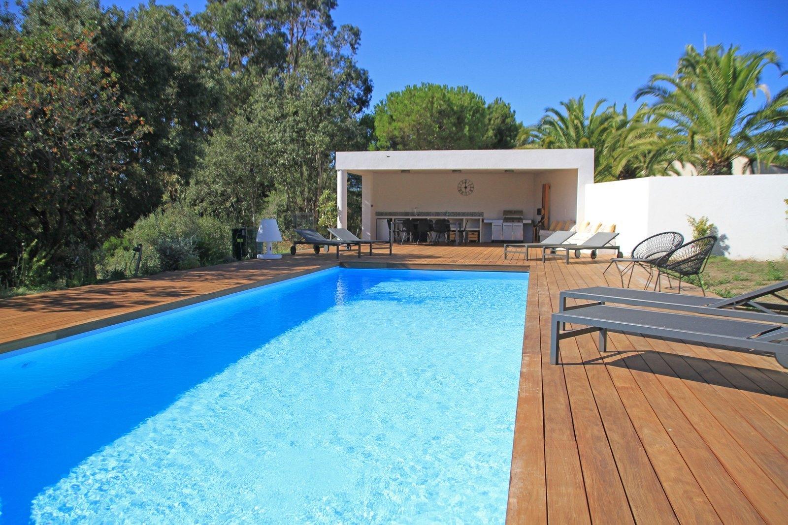 Albitreccia proche d 39 agosta plage belle villa louer for La piscine pool